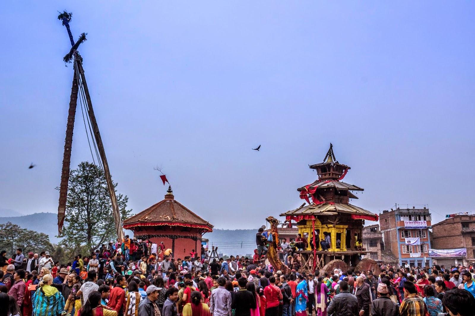 https://www.bhaktapur.com/wp-content/uploads/2020/03/bisketjatra-1.jpg