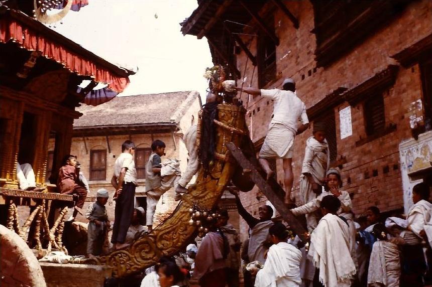 Chariot at Gahiti image