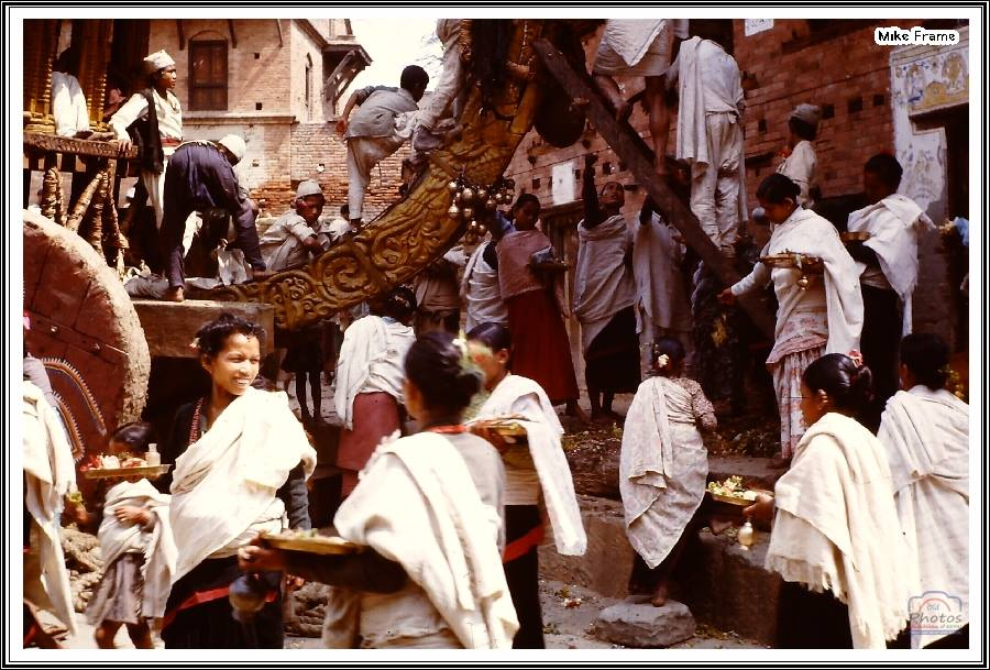 Jyapu women blessing the chariot for Bisket Jatra in Bhaktapur, 1963 image