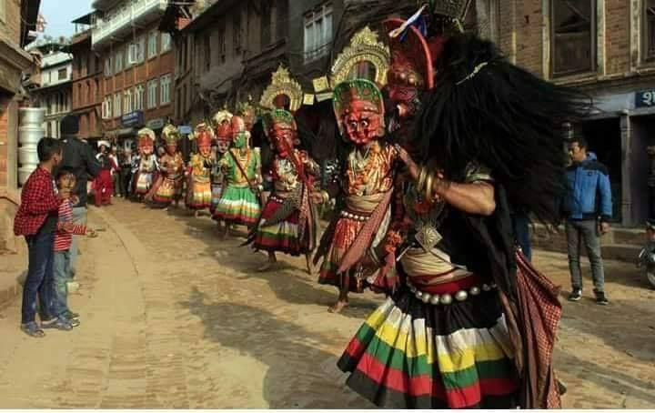 Nawadurga dancing in the street of Inacho image