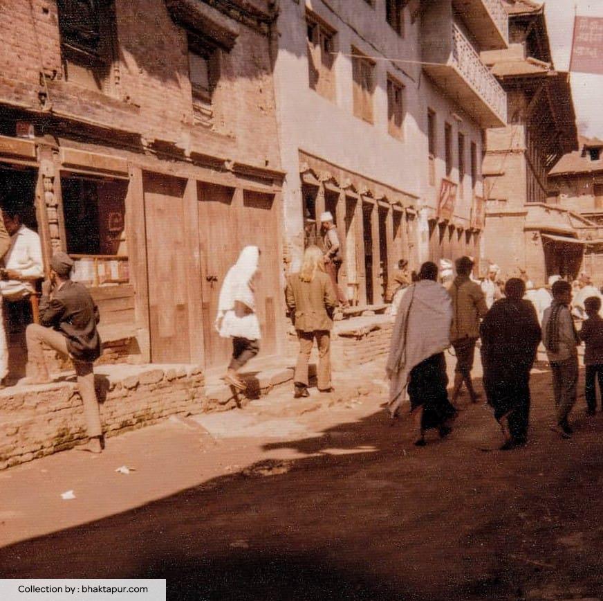 https://www.bhaktapur.com/wp-content/uploads/2021/01/Old-Ratna-bhawan-area.jpg