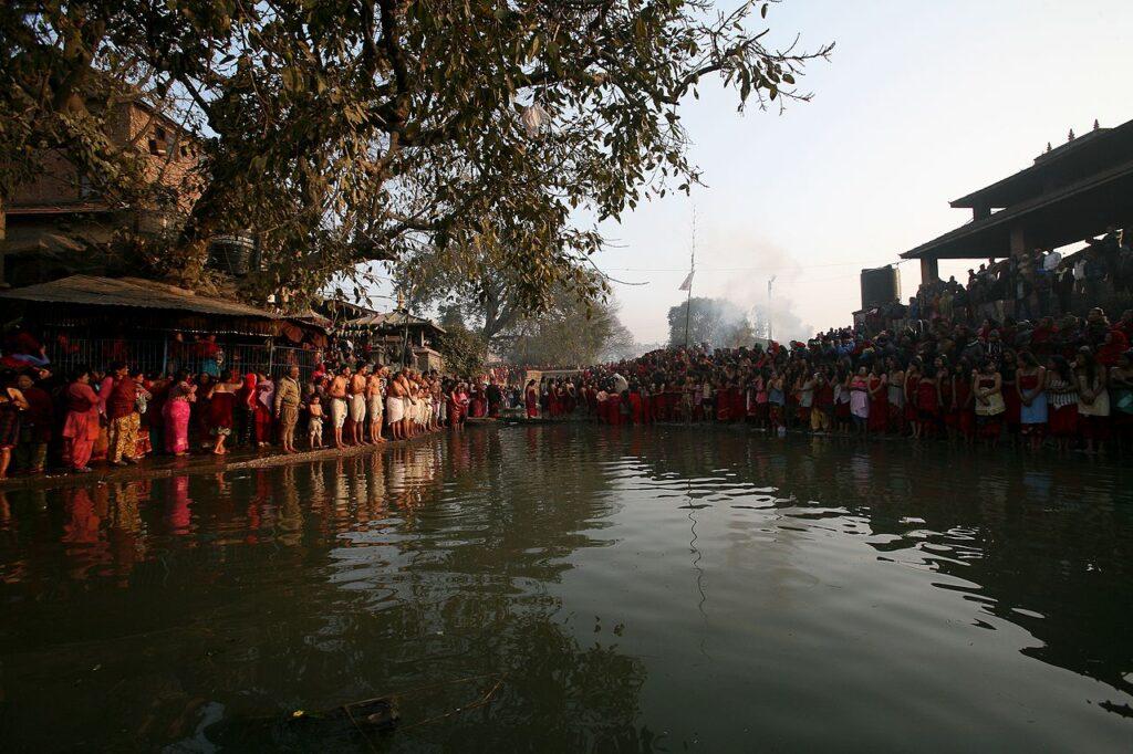 madhav narayan mela at Hanuman ghat