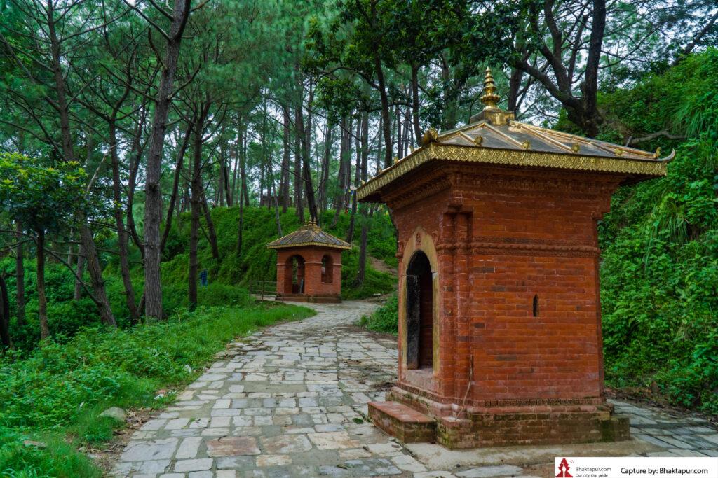 way to Nil Barahi temple