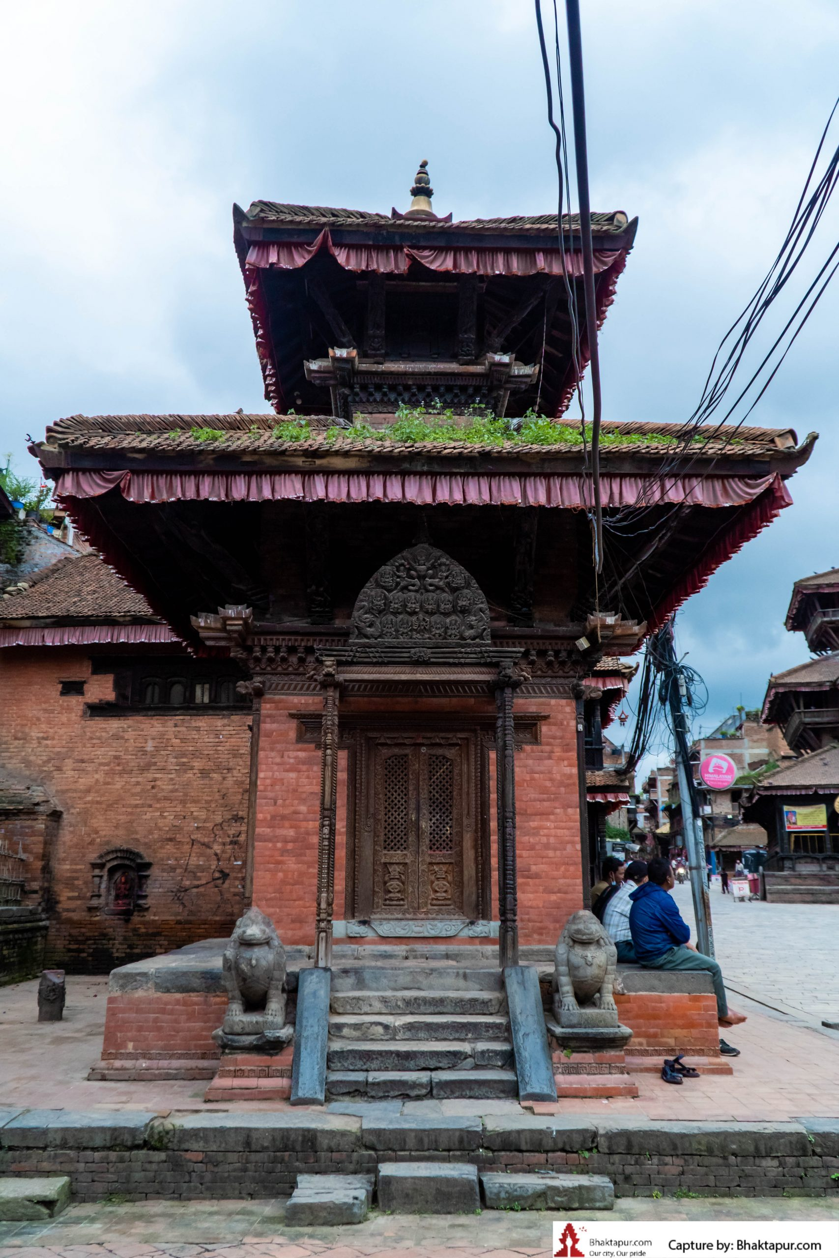 https://www.bhaktapur.com/wp-content/uploads/2021/08/erotic-carving-28-of-137-scaled.jpg